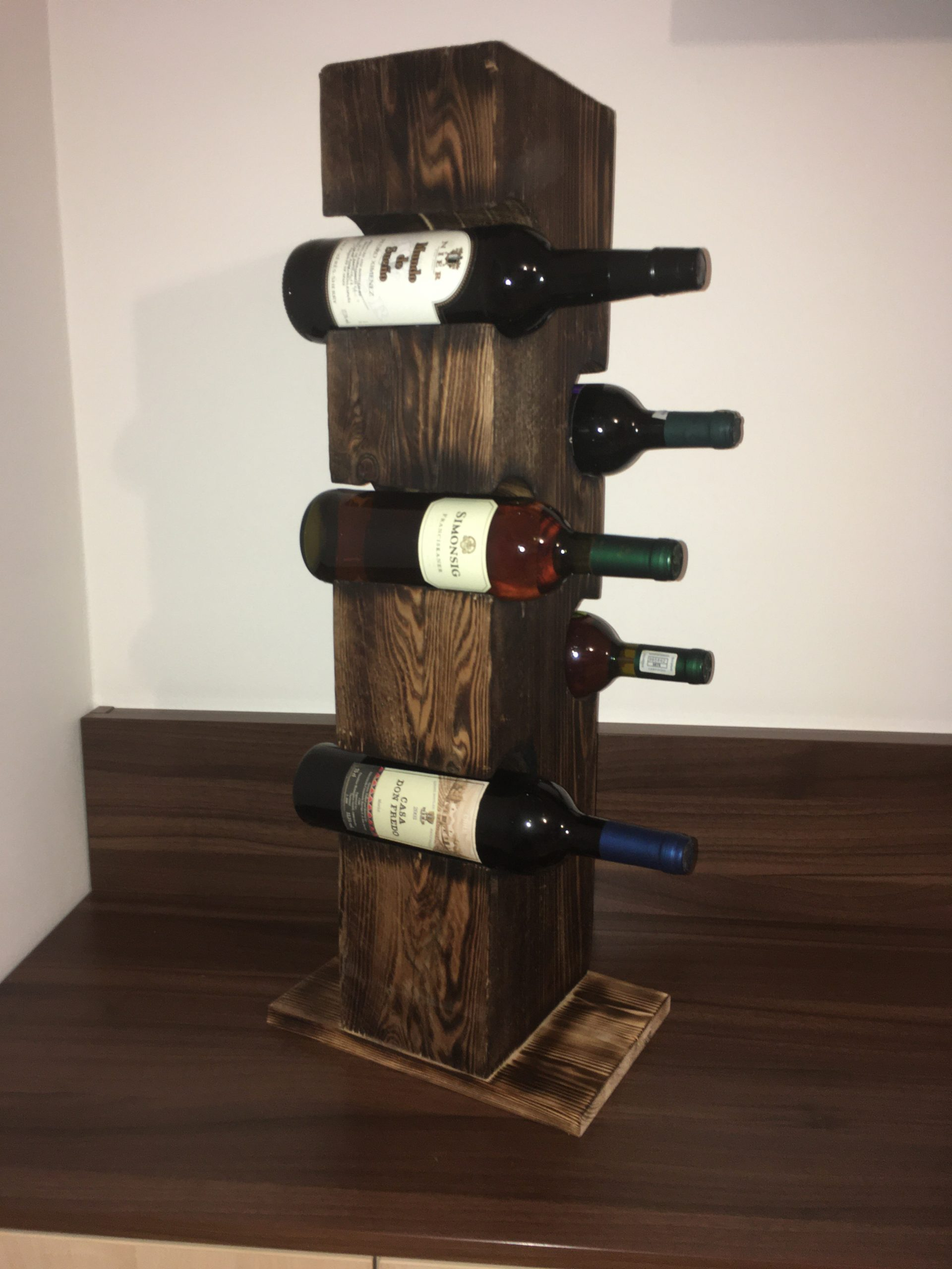 stojan na víno z hranola